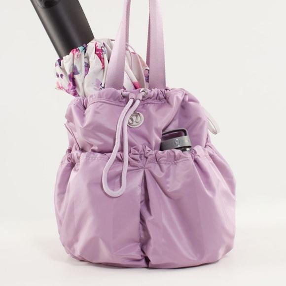 EUC Lululemon Bliss Bag